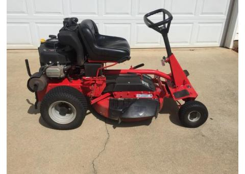 "2012 Snapper 28"" Riding lawn mower"