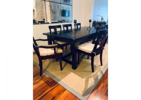 Solid Dining Room Table & Chairs